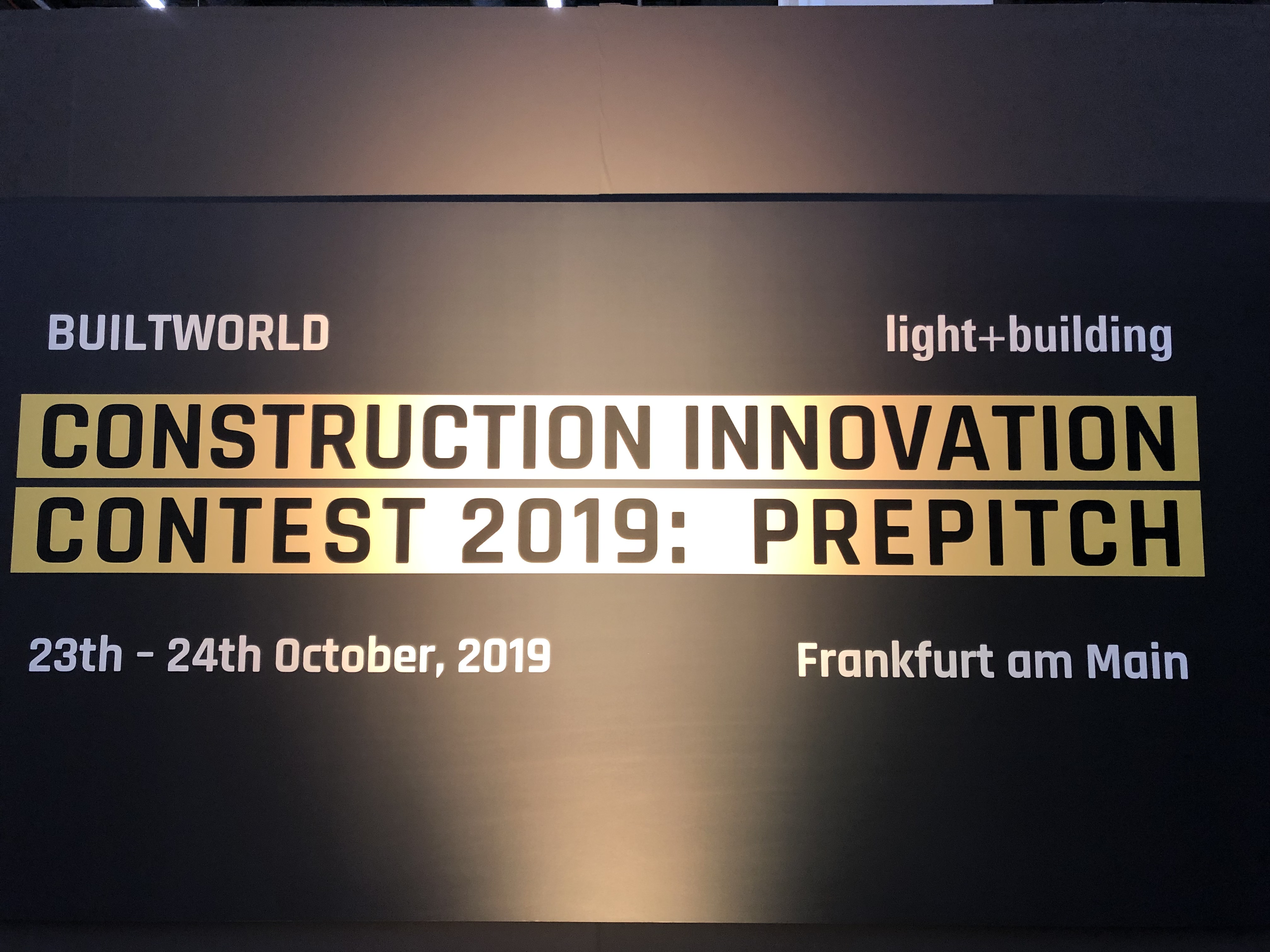 In hall 9.0 of Messe Frankfurt, the two-day prepitch of the construction and real estate industries on 23 and 24 October 2019 brought 25 of the original 350 applicants into the next competition round –  the finals at Light + Building in March 2020.
