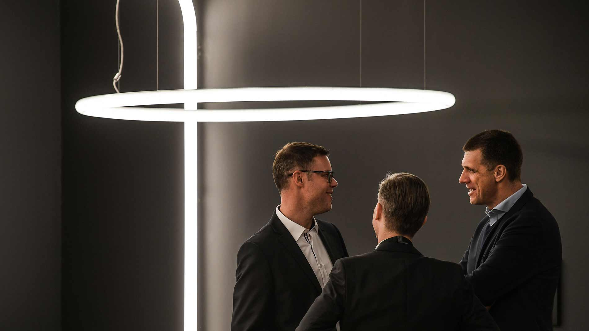 Luminaires that recede into the visual background in order to give prominence to the light itself are a part of the 'Functional Aesthetics' theme at Light + Building 2020 in Frankfurt am Main. (Source: Messe Frankfurt / Pietro Sutera)